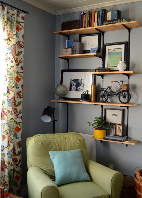 livinroom_shelves32